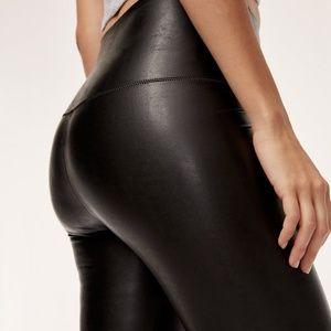 Aritzia Daria pants size XS in EUC